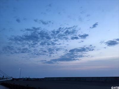日の出前の空①_R.JPG